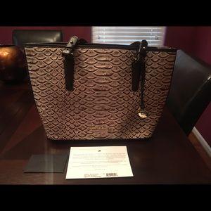 Brahmin handbag NEW, authentic. Pearl dogwood.
